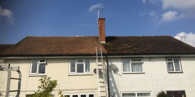 Drs roofers de mossing in Reading, Berkshire