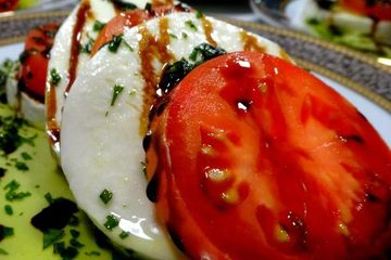 Caprese Salad- a Naples Catering Exclusive Caterer