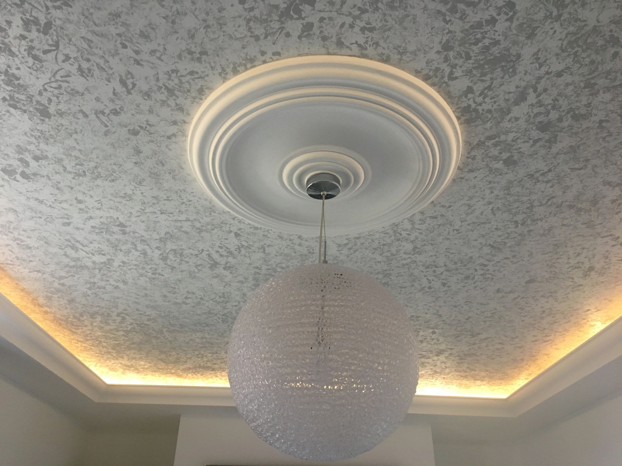 CORNICE COVING UPLIGHTING PAINTED CEILING MARBEL CEILING CENTRE LIGHT