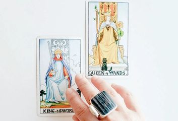 Tarot Reading, Vancouver Psychic, Intuitive Readings. Astrology Online tarot Spiritual development