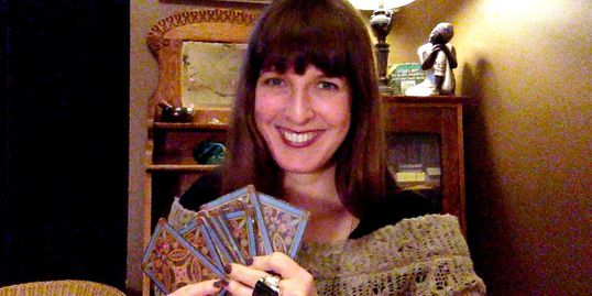 Tarot and Astrology psychic readings. Online classes Tegan Forbes. Free forecasts and zodiac updates