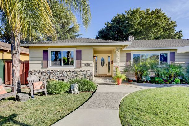 Beautiful 4 Bdrm/2.5 Bath home for sale in San Tomas Woods. Silicon Valley Real Estate. Santa Clara