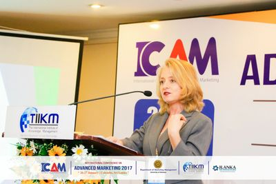 Maitri Meyer speaking at the 2017 International Conference on Advanced Marketing in Sri Lanka.