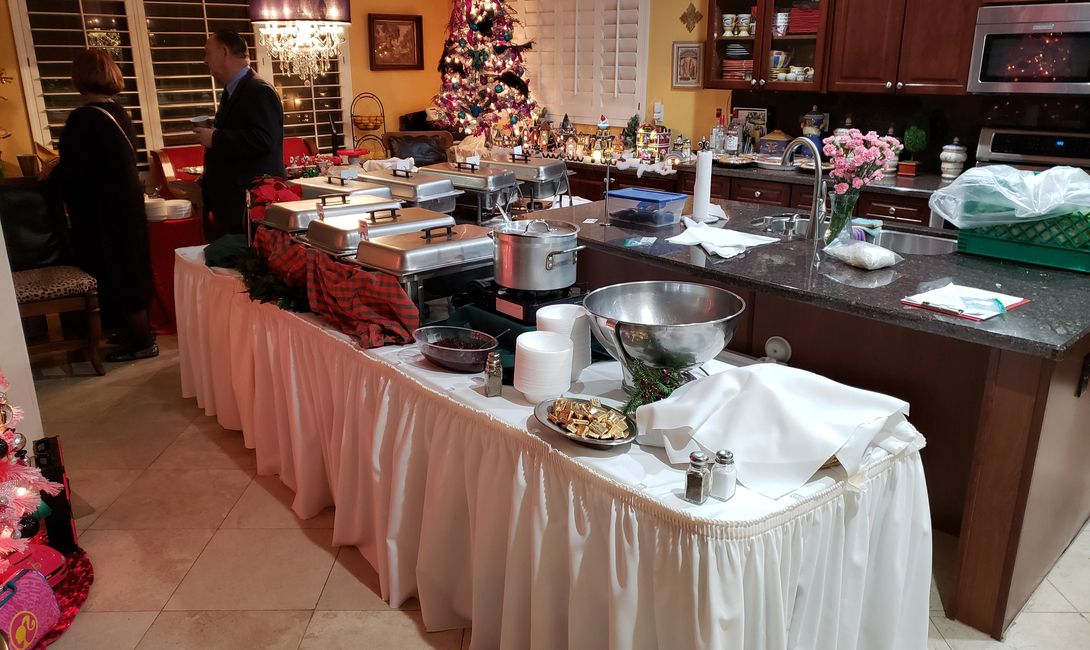 2018 CHRISTMAS PARTY BUFFET LINE