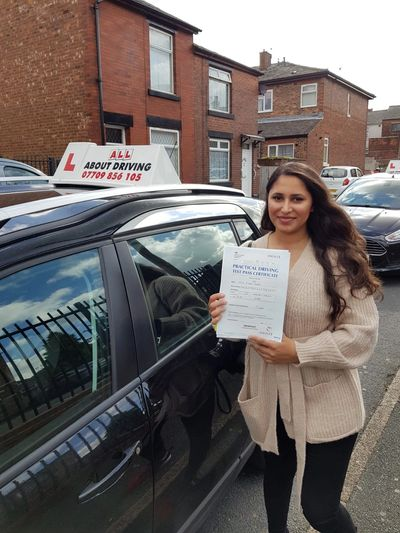 Driving lesson in Tameside, Driving schools Tameside, driving Instructors Tameside.