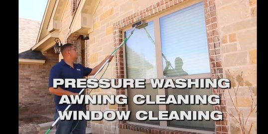 Top Priority window Washing using a water fed pole to wash windows in abilene Texas