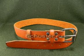 There are two types of belts which are worn over the gimnasterka but you only need to get one.