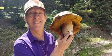 Jon Sommer: Identifying Mushrooms: A How-To Guide