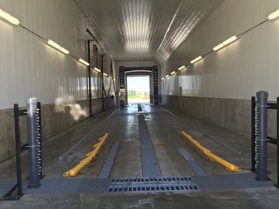 Demudder, DeMucking, DeIcer, Touchless Truck Wash, Automated Touchless truck wash, Truck Wash Bay