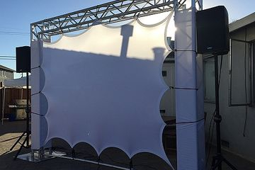 Projection screen 10'x10'