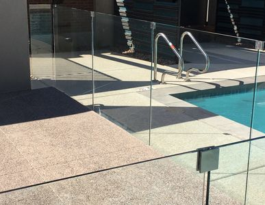 glass wind screen glass guardrails pool fence glass pool fence