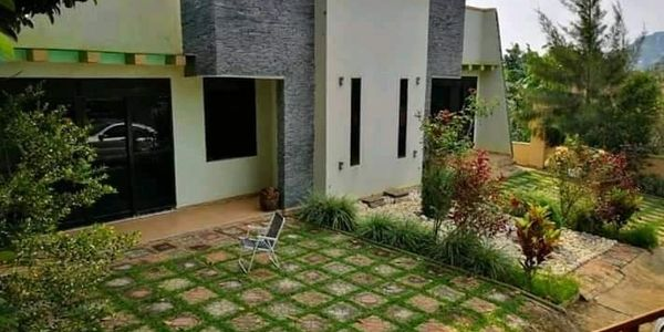 House in Kira at 150 millions shilling for Sale Contact Agent Jonathan Sseki www.sivoagency.com