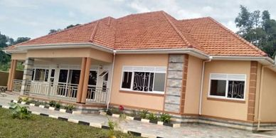 Newly constructed house available for sale at Bwebajja on Entebbe road. www.sivoagency.com