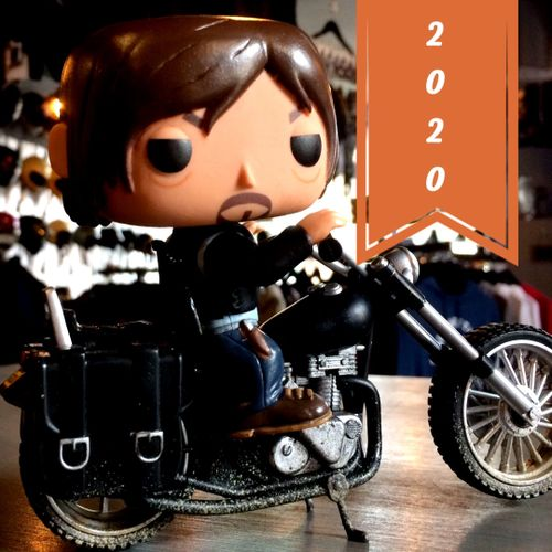 Motorcycle figurine with a 2020 banner