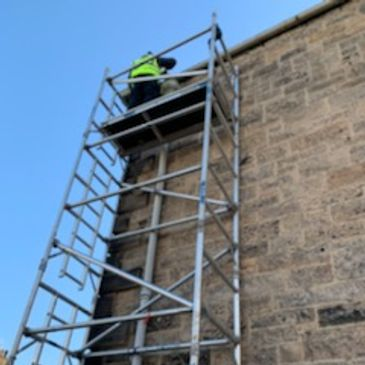 Maintenance work on gutters edinburgh