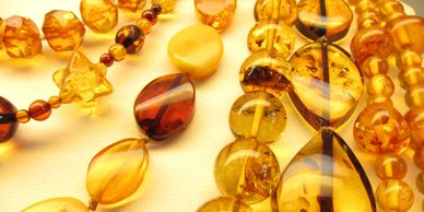 Amber, jewelry, necklaces, rough amber, rocks, silver, precious stones, Auburn business