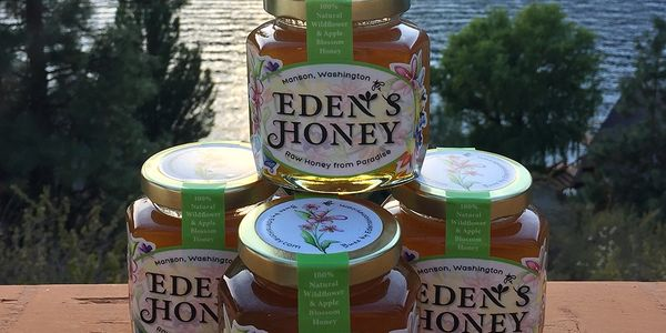 Eden's Honey Quality - Extracting Small Batches