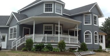 Our specialized crews install a variety siding products from vinyl to fiber-cement.