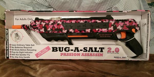 Bug-a-salt toy gun insect hunting