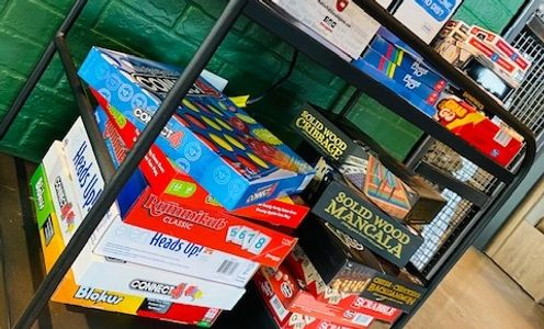 board games, pool tables, electronic games, burgers, beer, craft drinks, craft beers