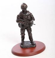 soldier standing bronze gift, avaiable from reads gifts tidworth, military presentation