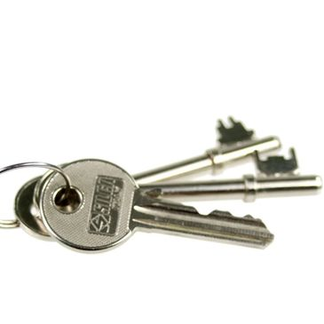 Keys cut while you wait in tidworth, extra keys for march out. front door keys. back door keys.