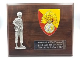 Large_patrolling_soldier_Military_wooden_plaque_plaque_wooden_shield_military_presentation_regimenta