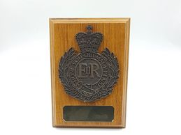 royal_engineers_plaque_wooden_shield_military_presentation_regimental_leaving_gift_tidworth_engraved