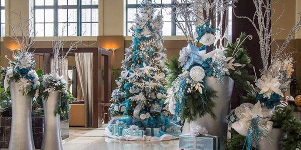 Large Holiday Displays