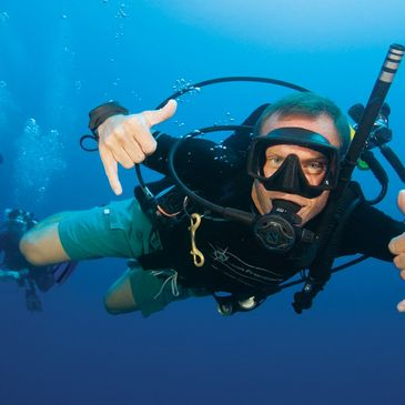 Learn To Dive, Scuba classes, Scuba Kane County, Scuba Elgin, Scuba instruction. Scuba Certification