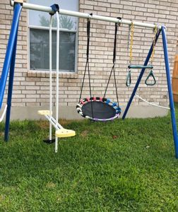 Junk Removal Services in Manor, TX. Cheap swing-set removal service in Austin, TX.