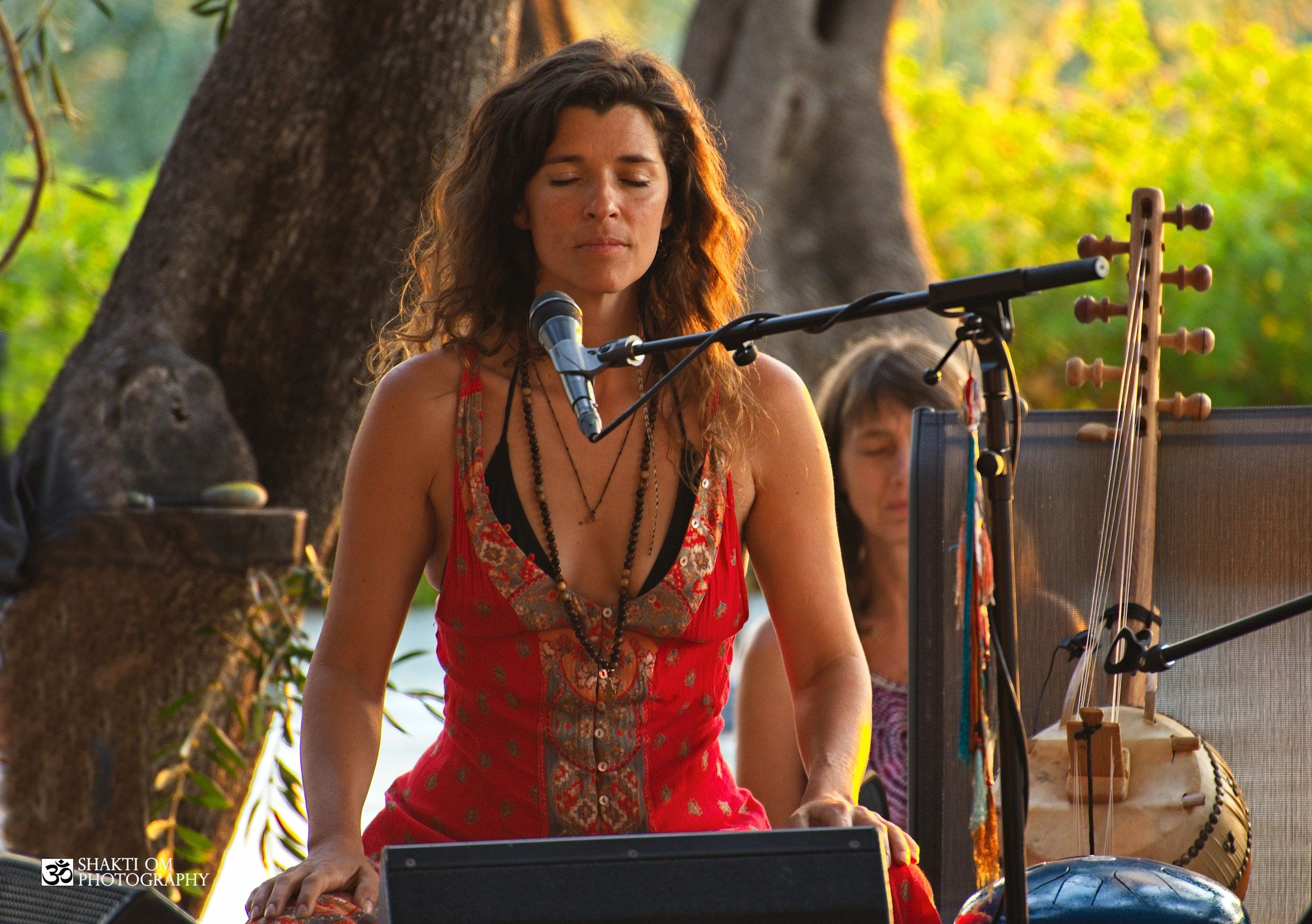 'Temple Sunset' concert at Arillas, during Gayatri festival with Deva Premal .Photo by Shakti Om