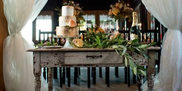 Rustic table Cake table
