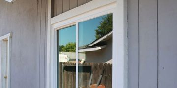 picture of a installed Monte Verde slider window.