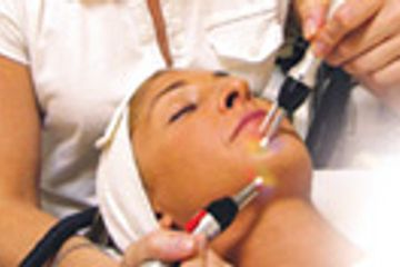 micro-current rejuvenation facial