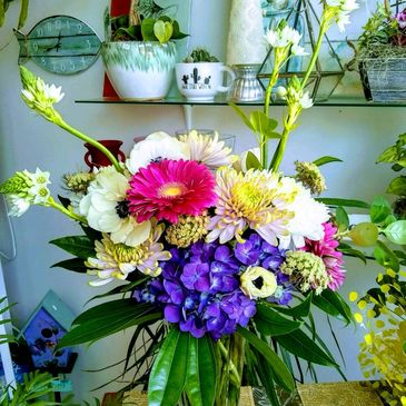 Photo of mixed flower bouquet