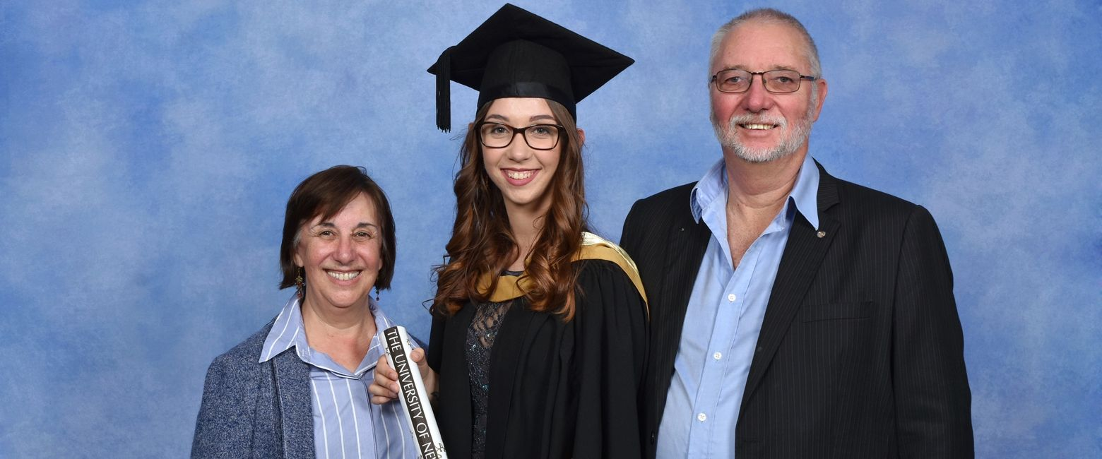 Kirsten graduating with a Bachelor of Science from UNSW with her Mum (left) and Dad (right).