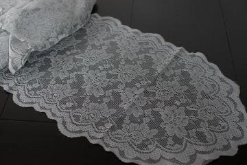 lace runner rentals