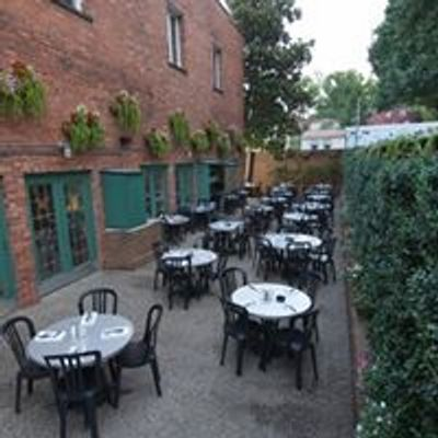 Bristol Bar and Grille patio dining