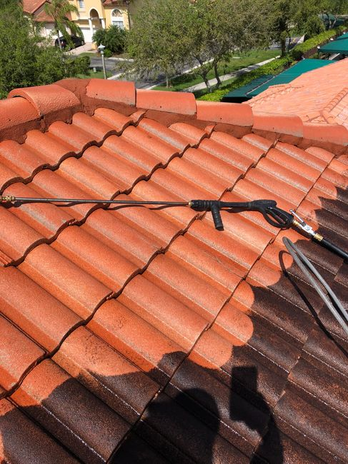 Doral Roof Pressure Cleaning