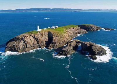 South Solitary Island Lighthouse, Coffs Harbour, New South Wales, Precision Helicopters