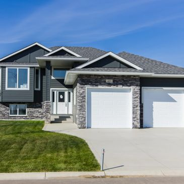 New Spec Homes and Completed Homes - Sunshine Meadows Dundurn