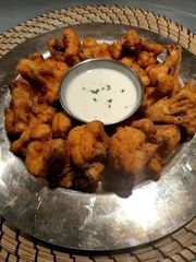 Cauli`Wings with Cashew Creamy Dipping Sauce