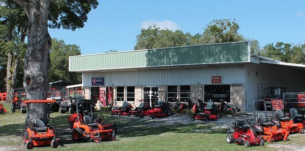 Image of the Crystal Tractor store in Deland Florida