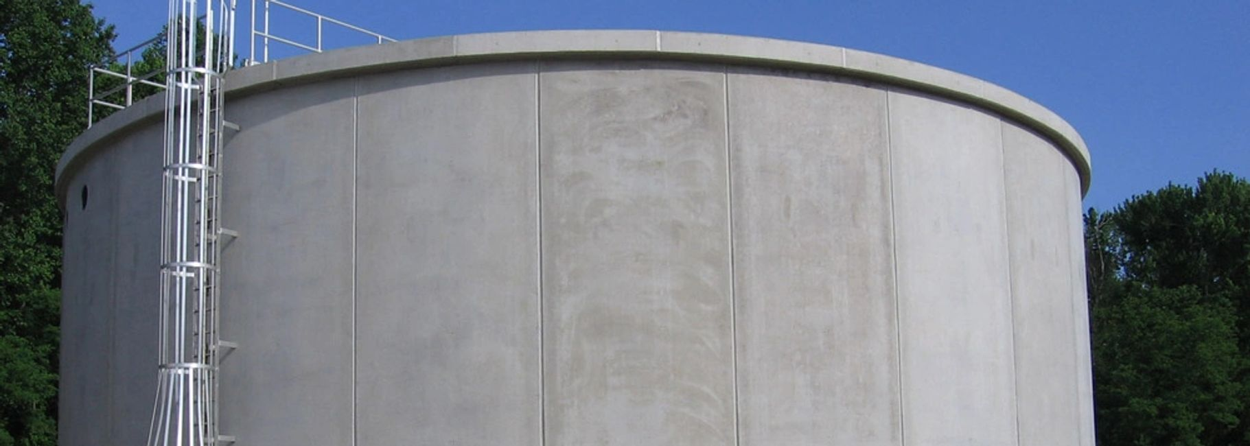 Waterproof concrete clarifier