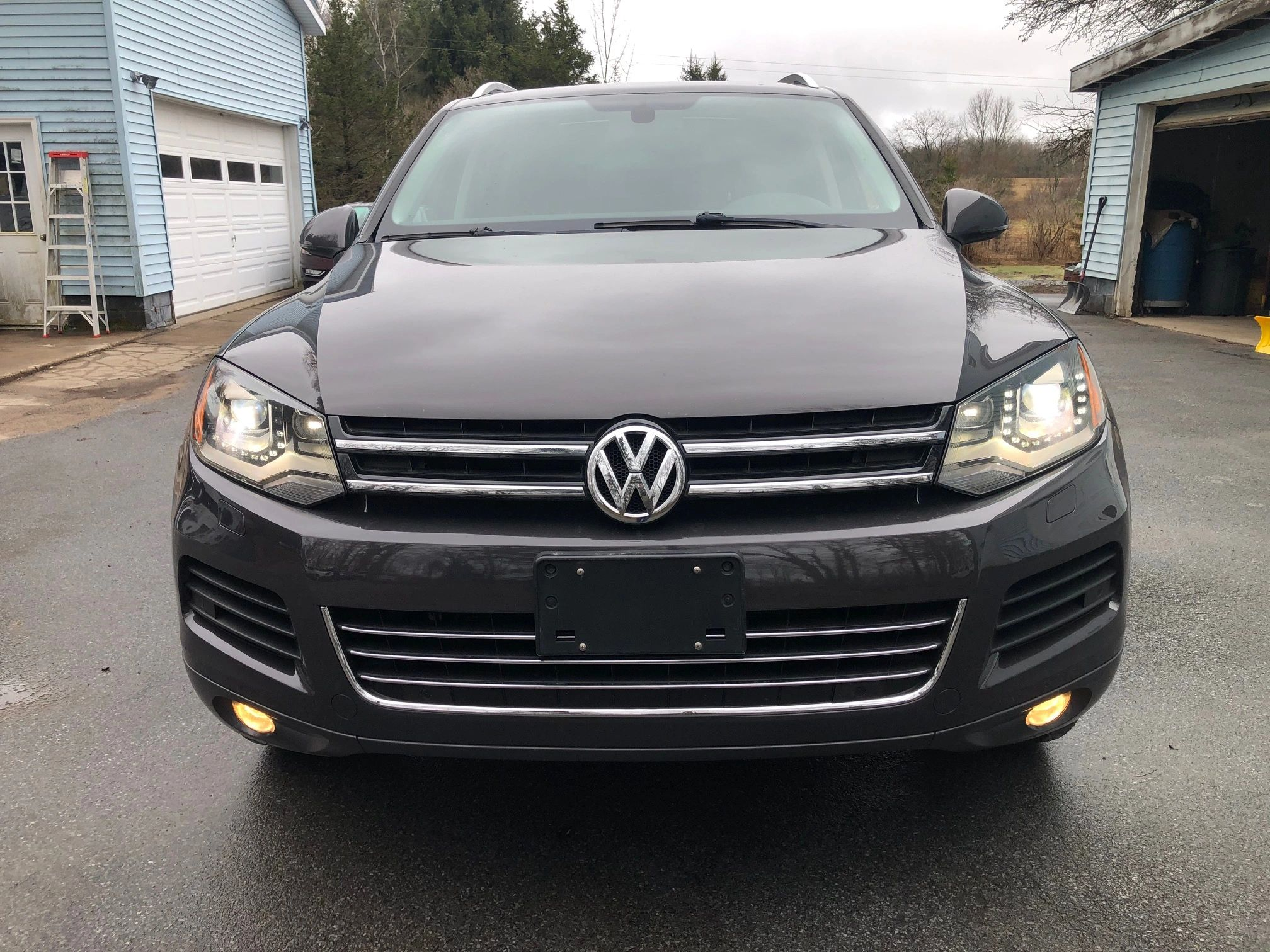 2012 Volkswagon Touareg V6 TDI Diesel ,Panoramic roof, Quiet, Smooth , Powerful, Clean Diesel,