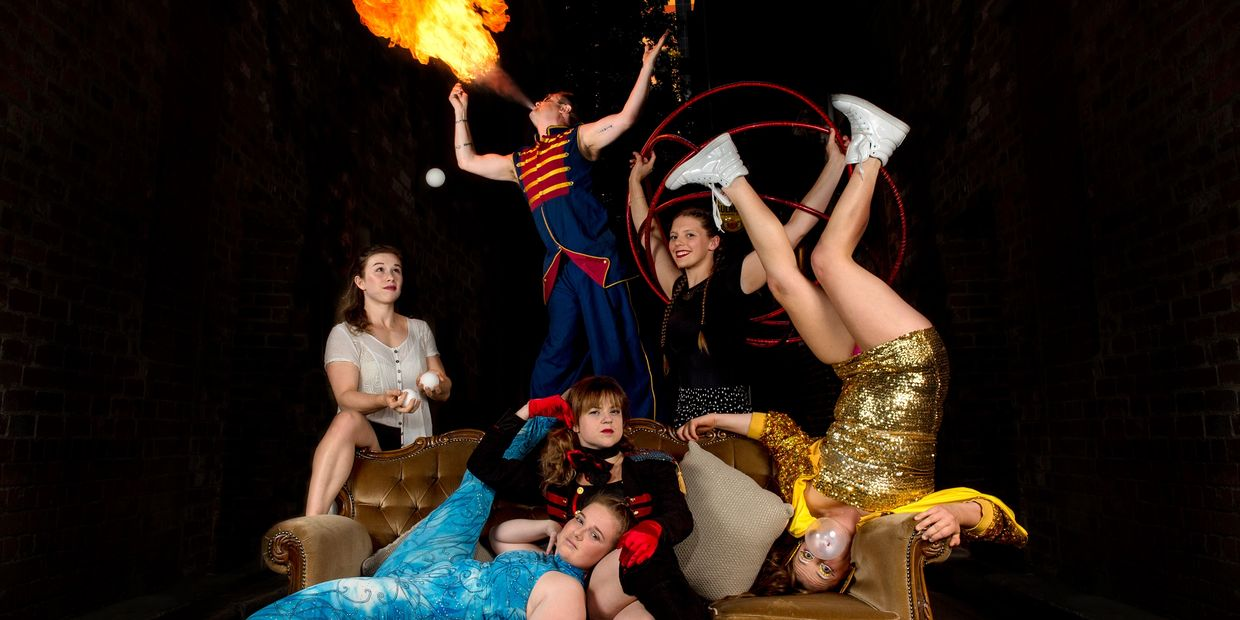 speakeasy hq vaudville show melbourne melbourne burlesque cabaret jazz live music performing arts circus hoops juggling fire