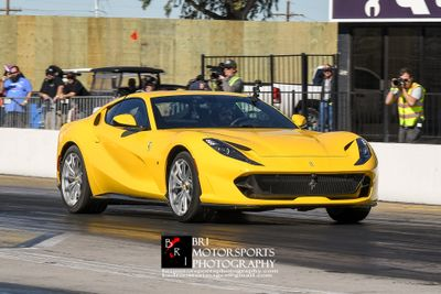 Motortrend testing the new 2019 Ferrari 812 Superfast