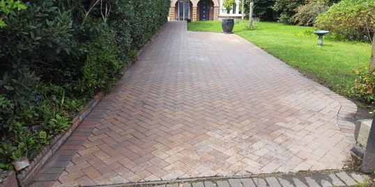 driveway cleaning in weymouth dorchester dorset