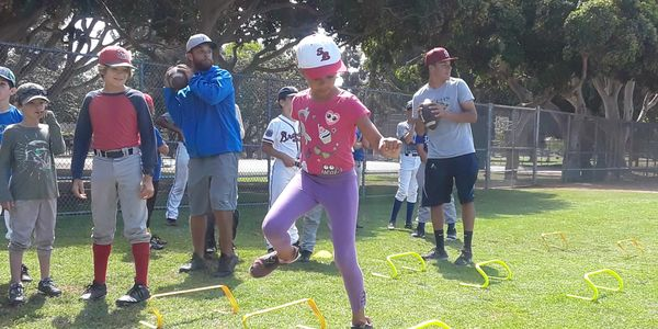 kids at santa monica baseball academy